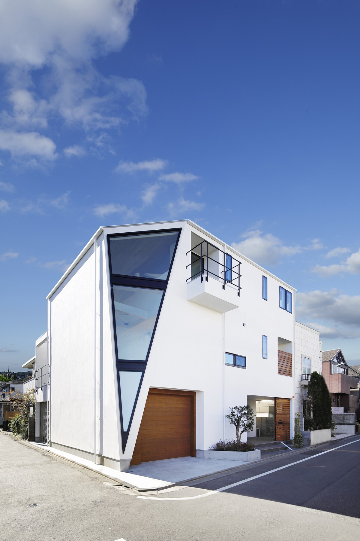 Himonya House